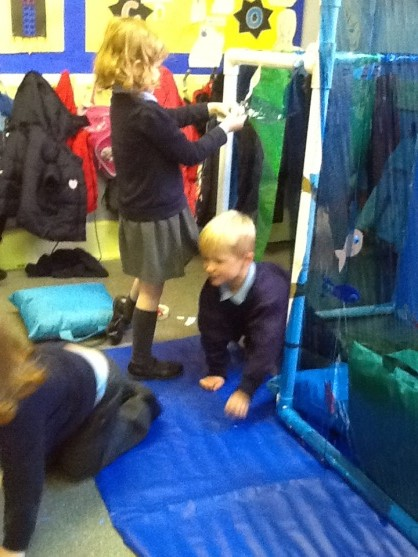 Free Play Creating Under The Sea World